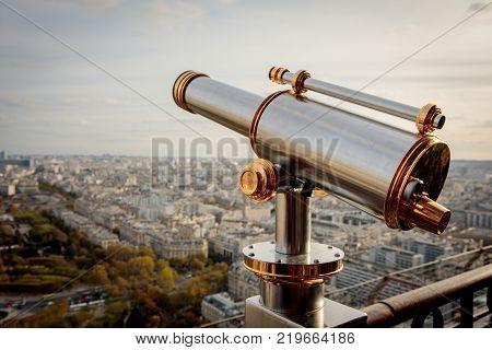 Monocular telescope in Paris France
