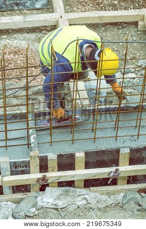 Install Paver Sidewalk With Paving Stones