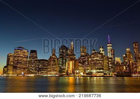 View of Manhattan skyline taken from Broollyn Bridge Park.