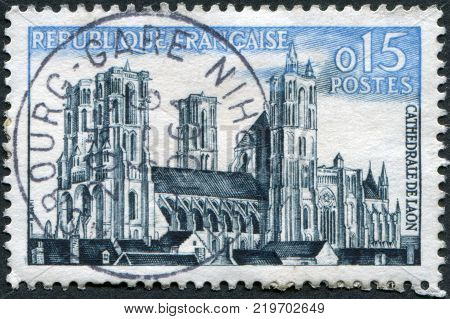 FRANCE - CIRCA 1960: A stamp printed in France shows the Laon Cathedral (Cathedrale Notre-Dame de Laon) circa 1960