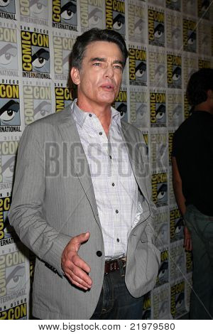 SAN DIEGO - JUL 21:  Peter Gallagher at the 2011 Comic-Con Convention at San Diego Convetion Center on July 21, 2010 in San DIego, CA.