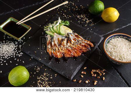 eel sashimi with lemon