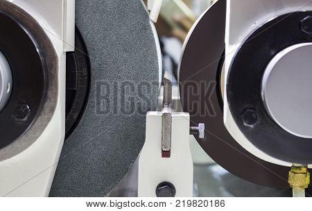 high precision centerless grinding CNC machine;side view