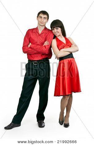 Mann und Frau in einem roten Kleid