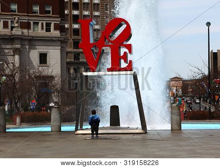 Philadelphia, Pennsylvania/united States - April 15: Love Sculpture In Philadelphia, Pennsylvania On