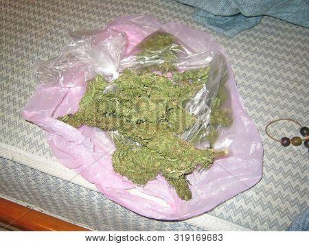 Cannabis cretan bio ganja vintage old school dealers stuff marihuana dope poster
