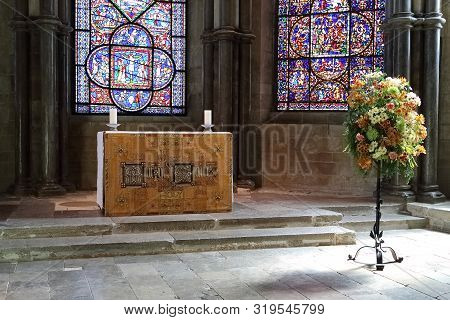 Canterbury, Great Britain - May 15, 2014: This Is The Altar In The Corona Of Canterbury Cathedral