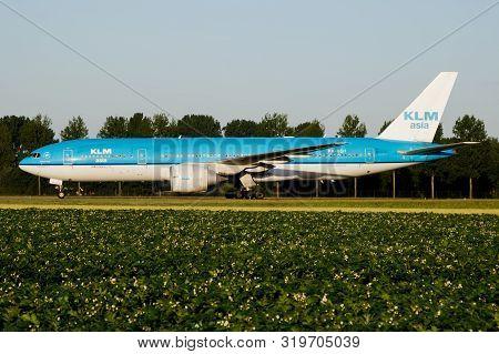 Amsterdam / Netherlands - July 3, 2017: Klm Royal Dutch Airlines Boeing 777-200 Ph-bqf Passenger Pla
