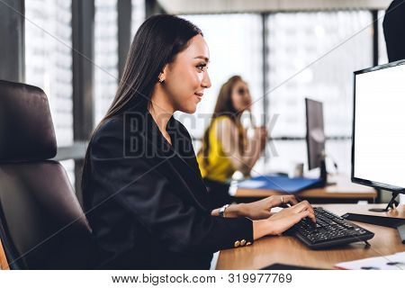 Businesswoman Working With Laptop Computer.creative Business People Planning At Modern Work Loft