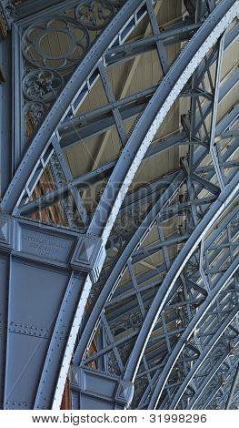 Paddington, Roof Structure