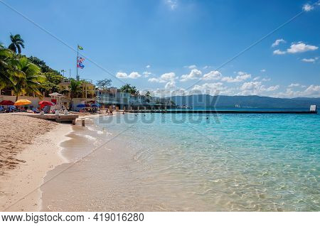 Sunny Beach In Tropical Caribbean Island. Jamaica Beach In Montego Bay.