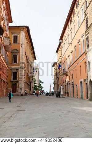 Perugia,italy May 01 2021:course Pietro Vannucci In The Center Of Perugia