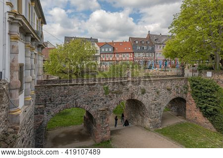 Frankfurt Am Main, Germany-may 02, 2021: Historic Schlossplatz With Bridge And Ditch, Frankfurt Hoec