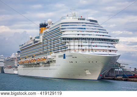 Barcelona, Spain - October 26, 2015: Costa Diadema, A Dream-class Cruise Ship Operated By Costa Croc