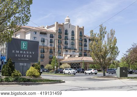 Indianapolis - Circa May 2021: Embassy Suites Property. Embassy Suites Is Part Of The Hilton Worldwi