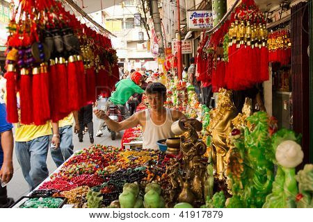 Preparing for the Chinese newyear in Manila
