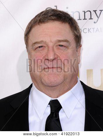 LOS ANGELES - JAN 10:  John Goodman arrives to the