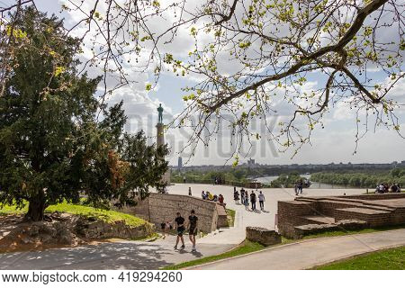 Belgrade, Serbia - May 2, 2021: Fortress Kalemegdan And The Winner Statue. View Over The Plateau On