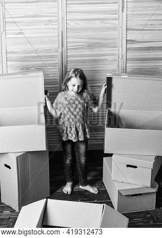 At Your Service. Happy Child Cardboard Box. Repair Of Room. New Apartment. Happy Little Girl With Be