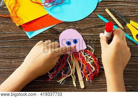 Instructions Step 6. Summer Puppet Stics Toy Octopus. Handmade. Handmade. Childrens Creativity Proje