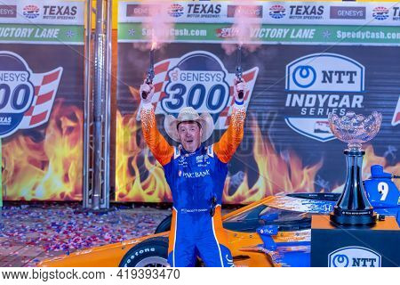 May 01, 2021 - Ft. Worth, Florida, USA: SCOTT DIXON (9) of Auckland, New Zealand  wins the Genesys 300 at the Texas Motor Speedway in Ft. Worth, Florida.