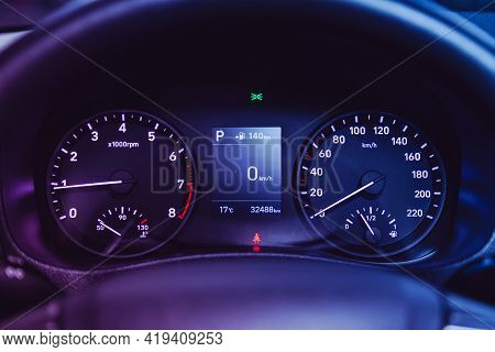 Novosibirsk, Russia - April 25 2021: Hyundai Solaris , Close-up Of Round Dashboard, Speedometer And