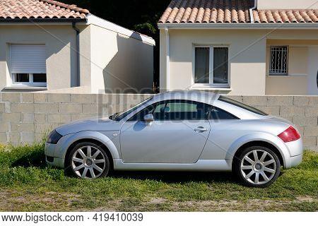 Bordeaux , Aquitaine France - 05 02 2021 : Audi Tt Retro Old Timer Vintage Car Coupe Design Sport Pa