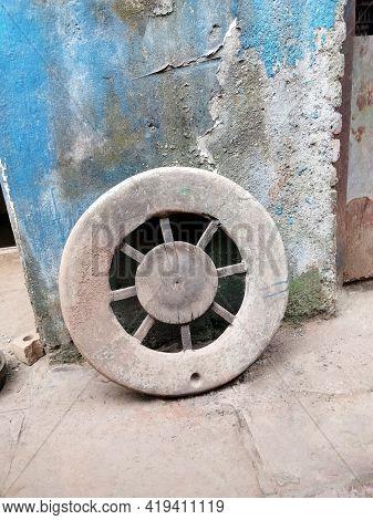 Potters Wheel, Kumbharwada, Mumbai. Spread Across 22-acres, Kumbharwada Is One Of The Largest Commun