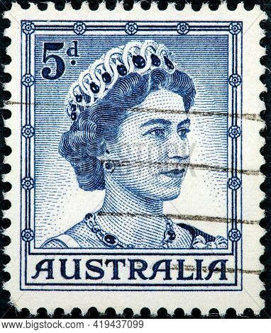 Australia - Circa 1959: A Used Postage Stamp From Australia Depicting A Portrait Of Queen Elizabeth