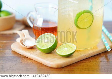 Honey And Salt Lemonade Drink, Healthy Lemonade