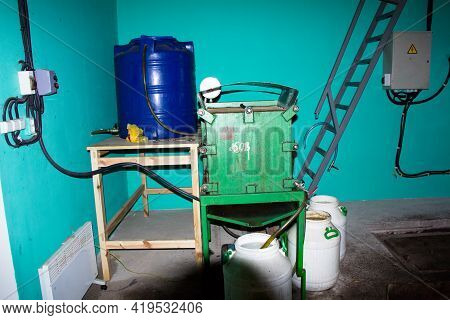 Equipment For Oil Mill Press, Oil Squeezing, Oil Delivery To Weighing, Grain Receiving Pit