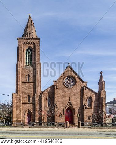 St. James Episcopal Church In New London, Usa
