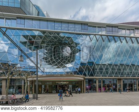Frankfurt Am Main, Germany-may 03, 2021: View Of The Zeil With The Entrance Of The Myzeil Shopping C