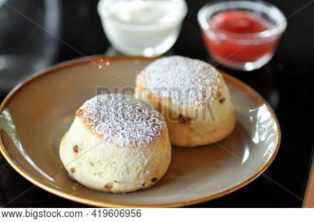 Scone , Scone With Strawberry Sauce And Whipping Cream