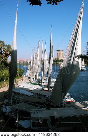 Inland Navigation And River Shipping, Mobility On The River Nile