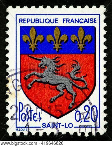 France - Circa 1966: A Stamp Printed In The France Shows Arms Of Saint-lo Circa 1966