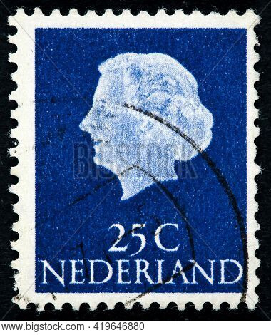 Netherlands - Circa 1953: A Stamp Printed In The Netherlands Shows Queen Juliana, Circa 1953.