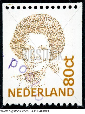 Netherlands - Circa 1982: A Stamp Printed In The Netherlands Shows Queen Beatrix, Circa 1982.