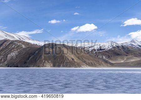 Pangong Lake In Ladakh, North India. Pangong Tso Is An Endorheic Lake In The Himalayas Situated At A