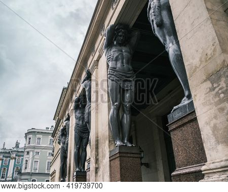 Saint-petersburg, Russia, 31 August 2020: New Hermitage Portico With Atlantes Against The Background