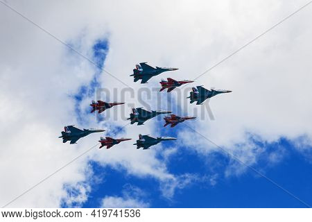May 7, 2021, Russia, Moscow. A Group Of Air Force Jet Fighters The Swifts And The Russian Knights Pe
