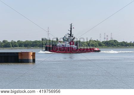 Doel, Belgium, May 18, 2020, The Red Tug Vessel Called De Sd Shark Is Built In 2008 And Sailing Unde
