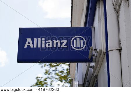 Bordeaux , Aquitaine France - 05 04 2021 : Allianz Insurance Sign Brand And Text Logo On Office Of F
