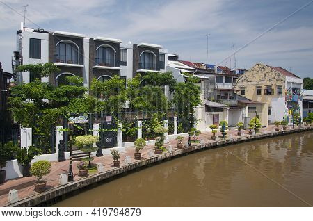 Melaka, Malaysia. August 8, 2017.  The Building Lined Water Canal Within The Unesco World Heritage S