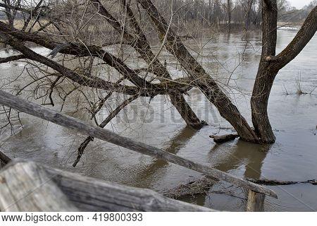 Kirzhach River, Vladimir Region. High Water In The Vladimir Region. The Snow Has Melted, The River I
