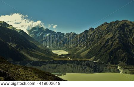 Stunning Views Of The Highest Peak In Nz With Glacial Melt