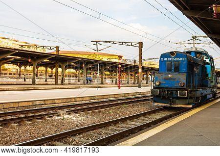 Train Waiting At Train Platform At Bucharest North Railway Station (gara De Nord Bucharest). Commuti