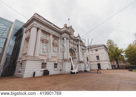 Greenwich, London | Uk -  2021.05.08: Beautiful Architecture Of The National Maritime Museum