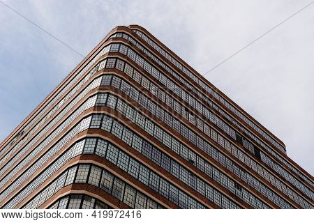 New York City, Usa - June 25, 2018: Low Angle View Of Commercial Building With Warehouses In Tribeca