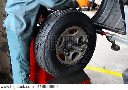 Car Wheel Balancing Automobile Tire Garage Control Fix Fubber